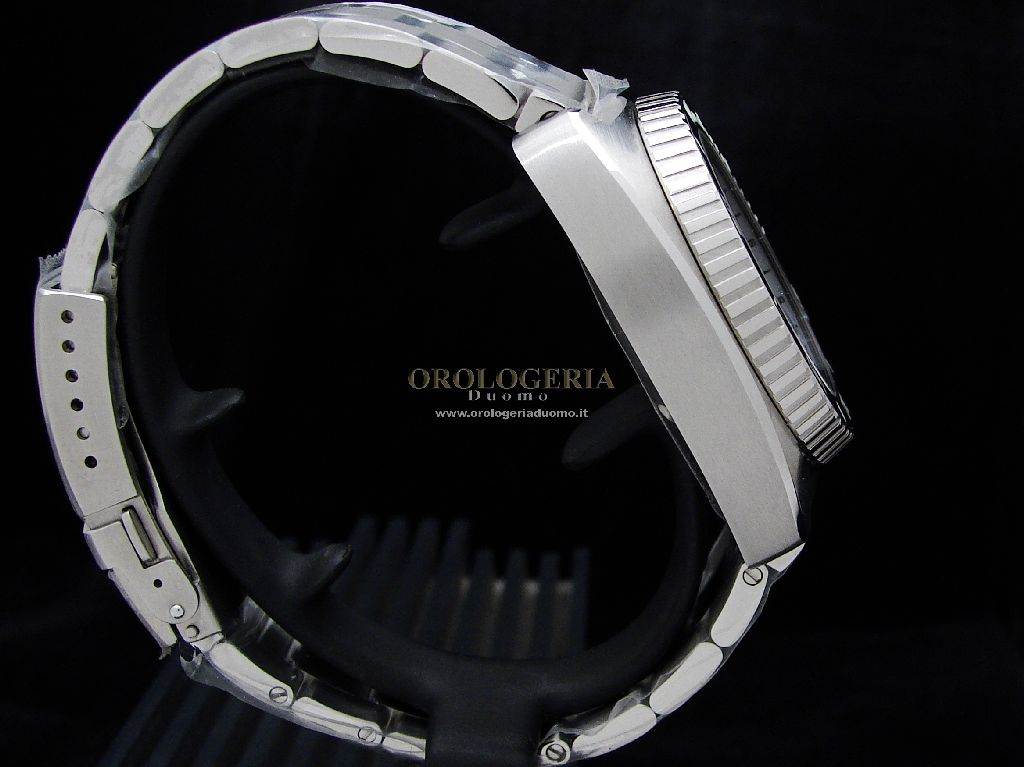 Aquadive Bathysphere 100 GMT White Inner Bezel